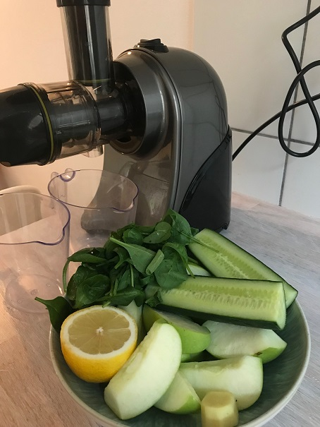 Nutrilovers_GREEN-PRESS_Horizontaler Slow Juicer
